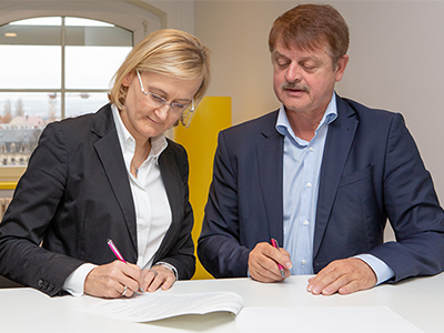 T-Systems Multimedia Solutions unterschreibt Kooperationsvertrag mit Smart Systems Hub